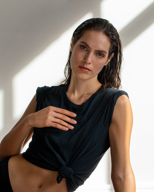 Vanessa Monn 01